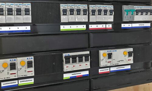 Meterkast controleren voor een laadpaal thuis
